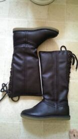 Brand new women's brown knee high boots size 6