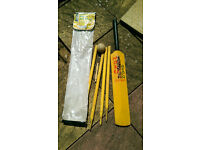 Beach/ garden cricket set size 5 complete with bag, ball, bat, 4 stumps, bails and storage bag