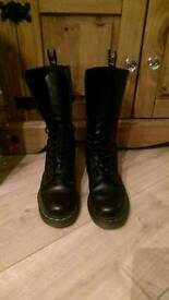 14 hole, leather Dr Martens