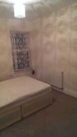 1 x double room to rent