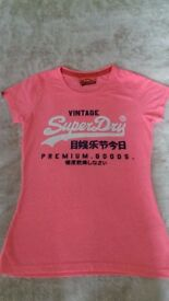 SuperDry T-shirt ---NEW---
