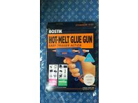 BRAND NEW HOT MELT GLUE GUN