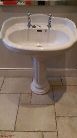 Marlborough sink and pedestal