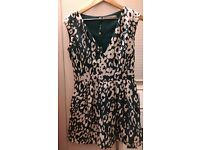 Women's ZARA Dark Green V Neck Printed Playsuit Size M - immaculate condition