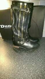 Dune boots size 4