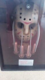 Freddy Vs Jason Glove+Mask Display