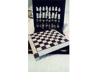 Chess set marble black n white