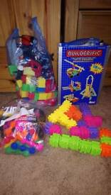 Construction toys builderific /mega blocks