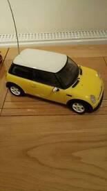 Remote control mini car