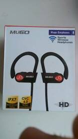 Mugo earphones