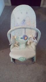 Moses basket and bouncy cradle