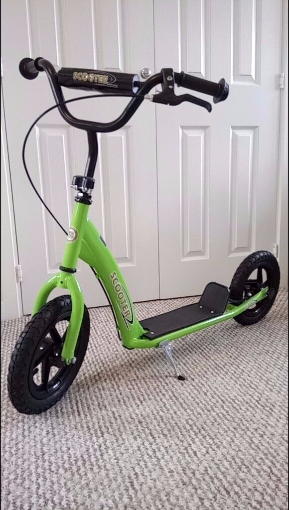 HOMCOM 12 inch Tyres Scooter (New and assembled)