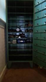 Garrage steel tool cabinet