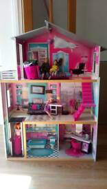 Barbie/dolls house for sale