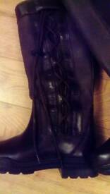 Country boots brown size 5