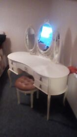 ****Dressing Table****