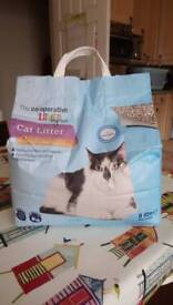Brand New & Sealed Cat Litter 8litre bags