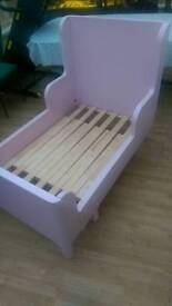 very nice girls bed. excellent condition.