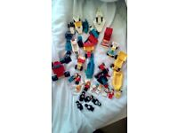 LEGO CARS, BOATS AND MINI FIGURES USED VERY GOOD CONDITION