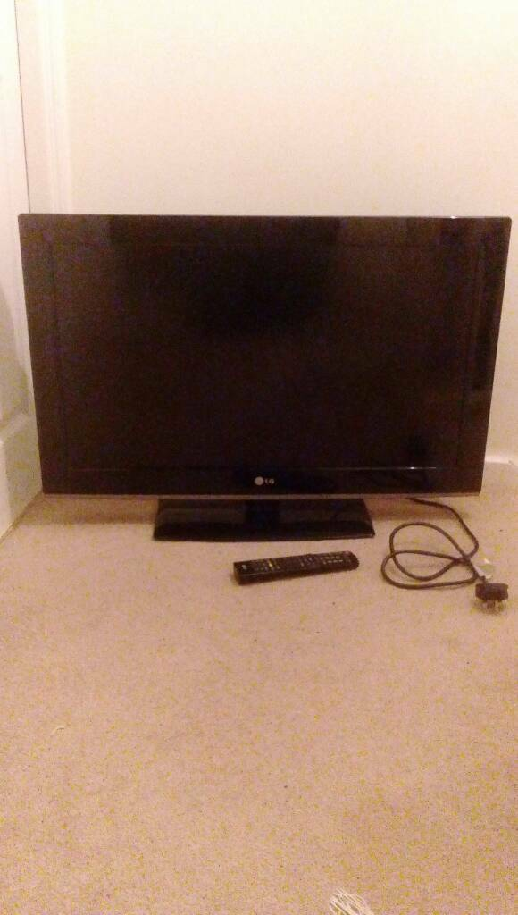 32' hd ready LG TV. With freeview, 2x hdmi, usb.
