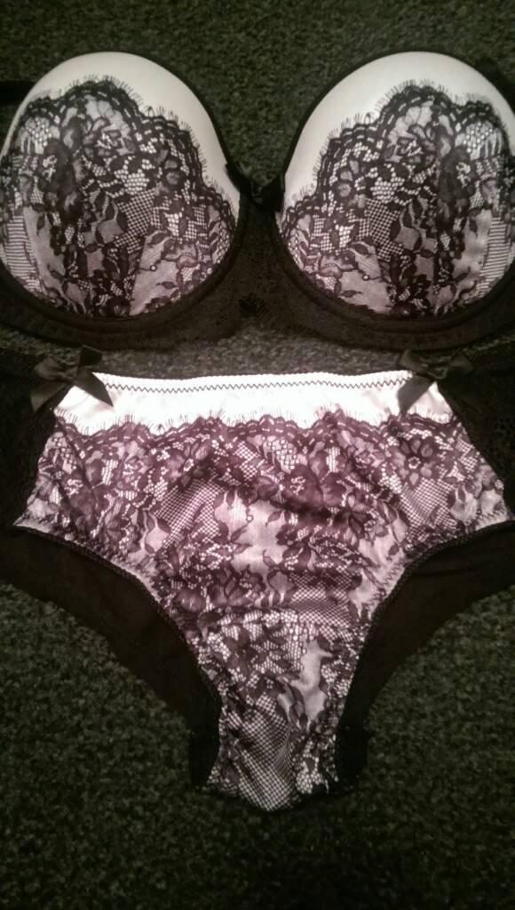 Brand New Gorgeous Ann Summers Lingerie Underwear Set 32B Bra & Size 8 Knickers