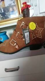 Cowboy boots size 8 womens