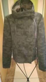 Bench jacket size XS