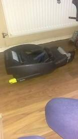 Maxi cosi easy fix and car seat