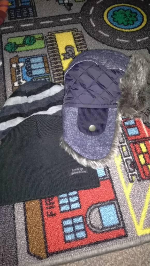 3 x winter hats (2-6 years)