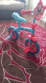New toddlers thomas bike an scooter £25