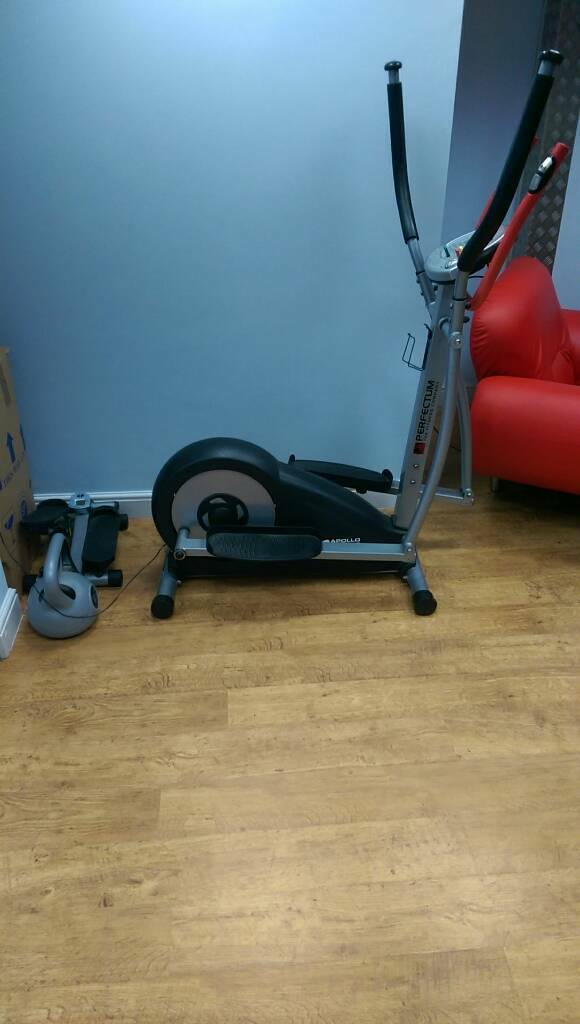 Cross trainer exerciserin Harrogate, North YorkshireGumtree - Cross trainer full working order has slight plastic crack but okay plus idle for a work out can free deliver in Harrogate area