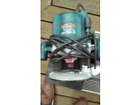 Bosch router GOF2000 including small router bench 12mm collet