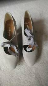 Grey size 6 shoes