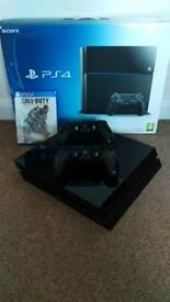 Ps4 with 2 game pads