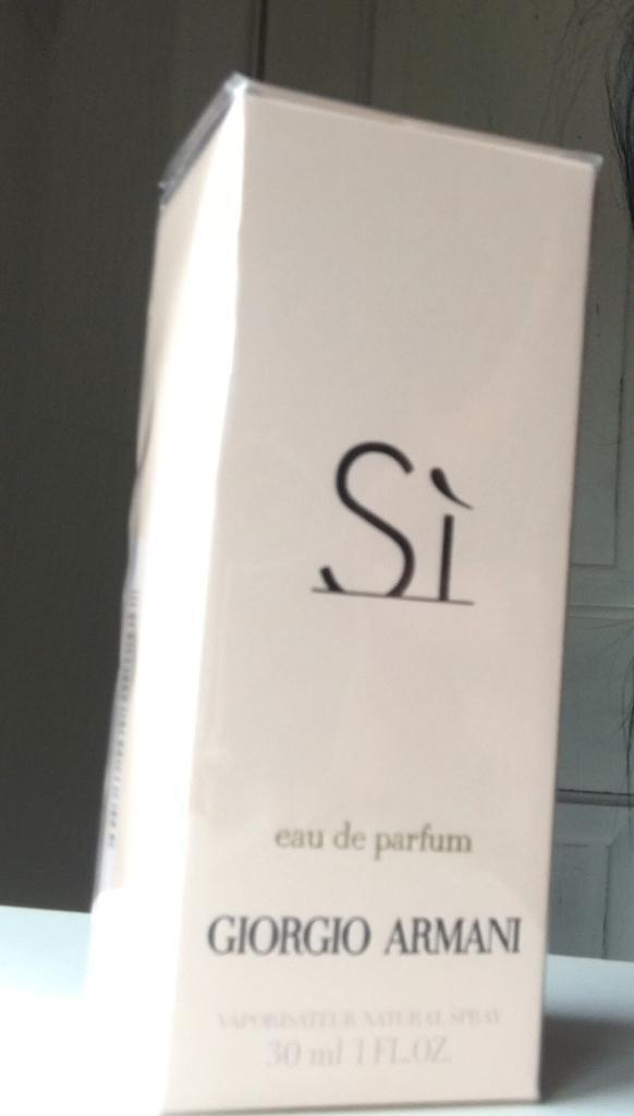 Emporia Armani Si perfume 30mlin Middleton, ManchesterGumtree - Unwanted gift. Unopened or used.Fully authentic still in cellophane wrapping. Not a rip off version NO OFFERS ACCEPTED