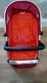 I Candy peach seat unit with extra seat insert,new handle n bumper bar & spare back wheels
