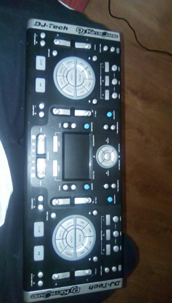 DJ Keyboard for PCin Alfreton, DerbyshireGumtree - Dj keyboard for pc wires and box and driver disc perfect condition selling as new hifi has dj decks built in also 45 ono