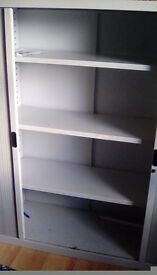 Slideing storage unit, great for tools ect: needs gone as soon as possible,as i need more room