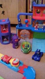 Pjmasks playcentre figures and cars