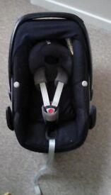 Maxi cosi pebble car seat and easybase 2