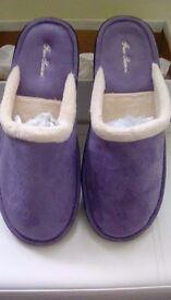 Women's slippers - NEW