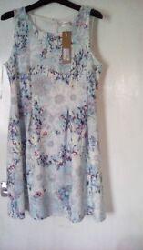 Smart sleeveless short summer dress by 'voulez vous' size 14/16