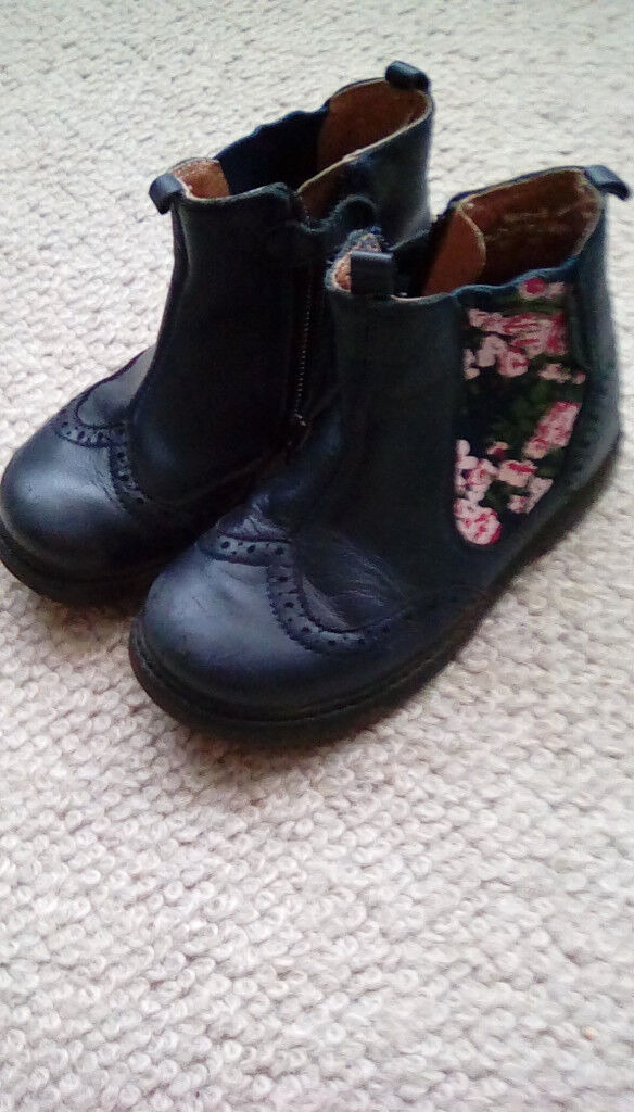 Startrite Chelsea Navy Leather/Floral Boots 7 1/2 F