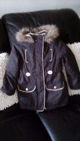 Black as new trendy winter coat 4/5