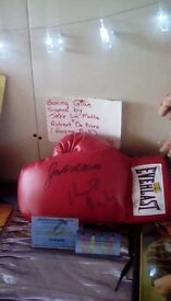 Boxing glove signed by jake LaMotta