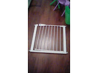 lindam stair safety gate 75-82cm fit