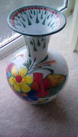 Vase Stunning Large Vase with beautiful flowery Design