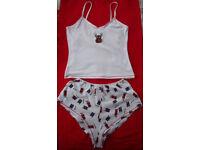 NEW ladies Xmas,Christmas nightwear,sleepwear, PJs, shorts & vest top.Rudolf & presents. Size small.