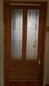 2 wood venetian blinds with 25mm slats