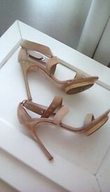 Le Silla Vero Cuoio Sandles Size 7(40) Beige Suede Leather Straps(Made in Italy)